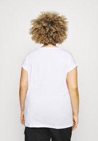 Simply Be - BOYFRIEND 2 PACK - Basic T-shirt - black/white - 2