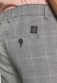 Shine Original - CHECKED CLUB TROUSERS - Pantalon classique - grey - 4