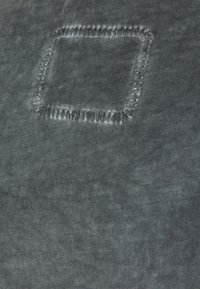 Tigha - MILO - Print T-shirt - vintage silver grey - 2