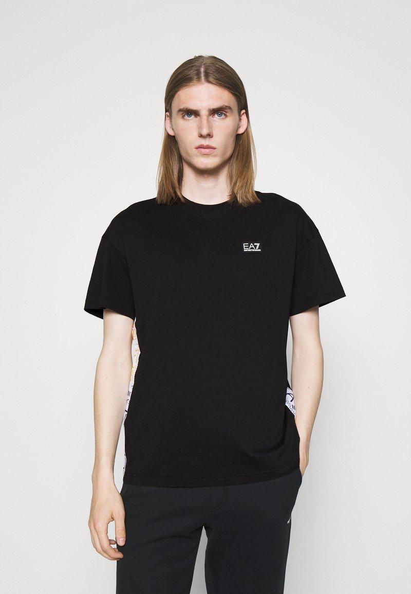 EA7 Emporio Armani - Print T-shirt - black/multicolor