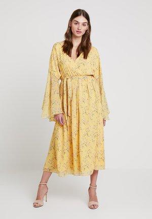 KAE SUTHERLAND BIG SLEEVE BELTED DRESS - Maxi dress - yellow