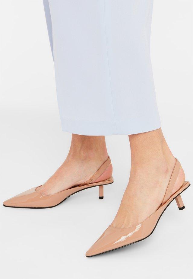 MEGHAN - Classic heels - nude