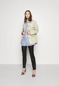 EDITED - ELISE - Button-down blouse - blau - 1