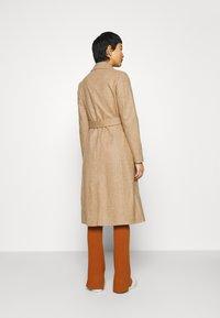 Dorothy Perkins - BELT WRAP - Klasický kabát - camel - 2