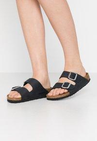 Birkenstock - ARIZONA - Slippers - black - 0