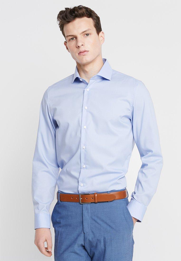 Seidensticker - SLIM SPREAD KENT PATCH - Formal shirt - hellblau