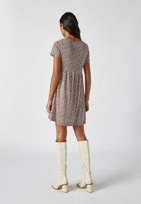 PULL&BEAR - Denní šaty - red - 2