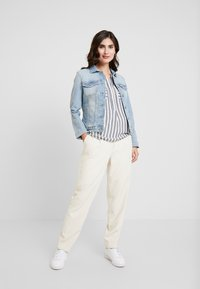 TOM TAILOR - BLOUSE STRIPED - Blouse - offwhite/navy - 1