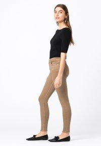 HALLHUBER - Jeans Skinny Fit - camel - 1