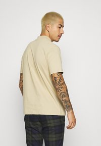 Topman - TURTLE 2 PACK - Basic T-shirt - white/beige - 3