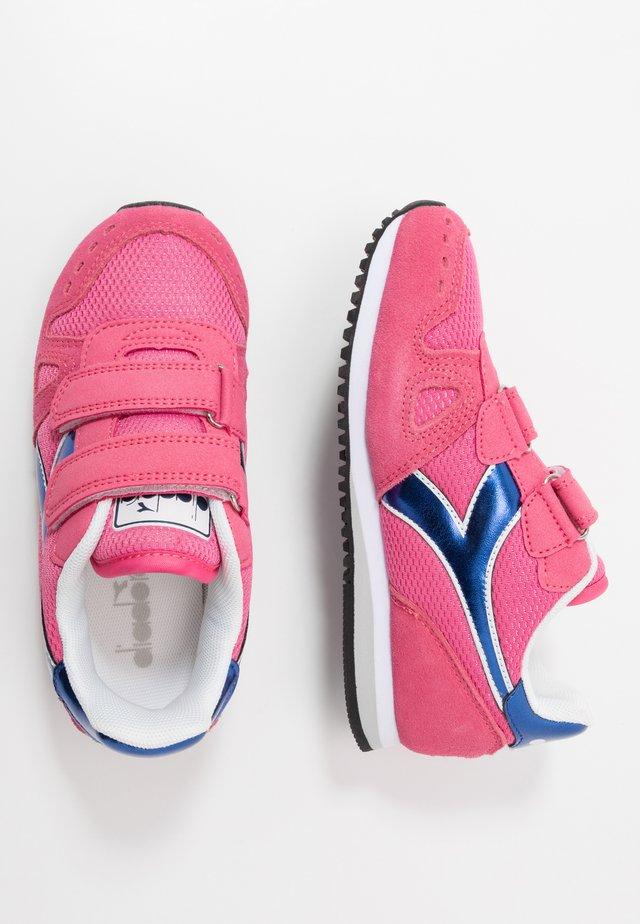 SIMPLE RUN GIRL - Neutral running shoes - hot pink