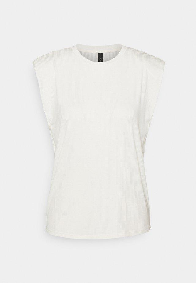 YASELLE PADDED SHOULDER  - T-shirt basic - eggnog