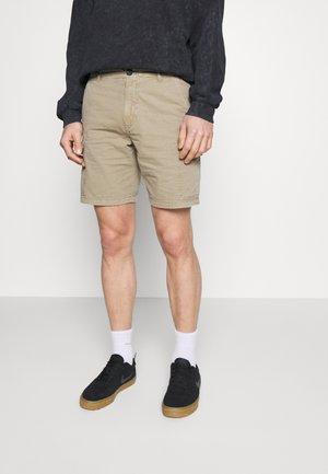 LONGA - Shorts - seneca rock