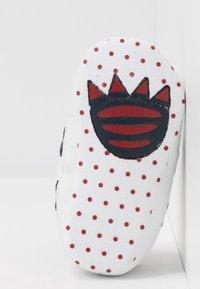 Lacoste - SIDELINE CUB - Cadeau de naissance - white/navy/red - 5