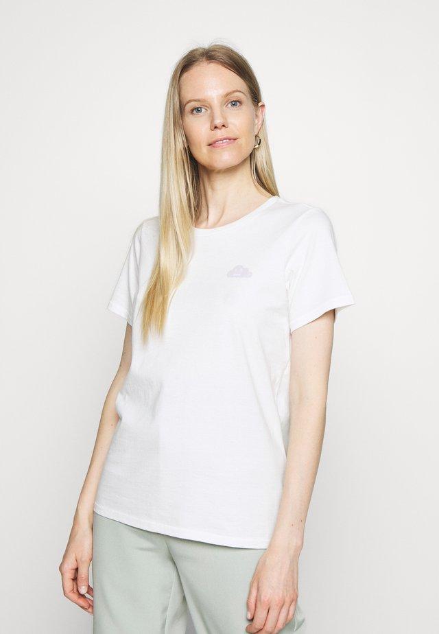SHORT SLEEVE FRONT PRINT - Camiseta estampada - scandinavian white