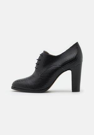 VIDYA - Ankelboots med høye hæler - noir