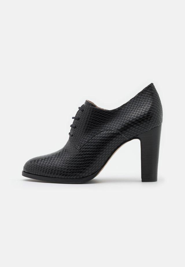 VIDYA - High heeled ankle boots - noir