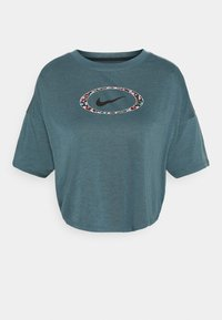 DRY CROP FEMME - Print T-shirt - ash green/deep ocean/black