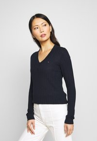 Tommy Hilfiger - INJ MINI CABLE  - Sweter - navy - 0