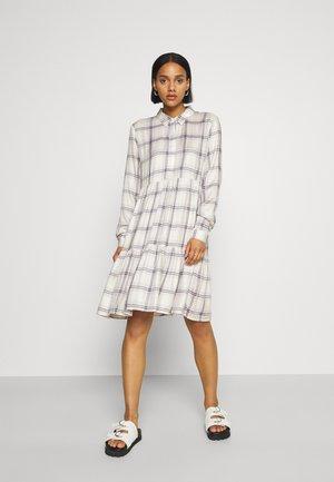 JDYSTAY BELOWKNEE SHIRT DRESS - Košilové šaty - pastel lilac
