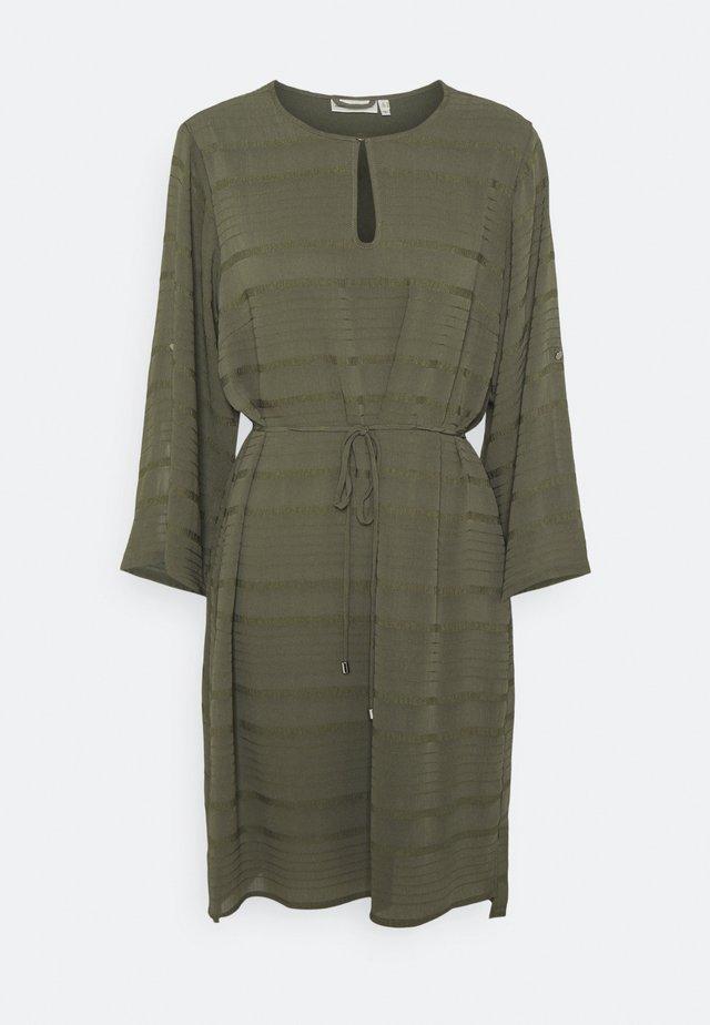 HELMI TUNIC - Robe d'été - beetle green