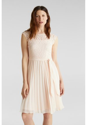 Day dress - pastel pink