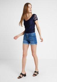 edc by Esprit - OCS MR - Denim shorts - blue medium wash - 1
