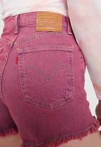 Levi's® - RIBCAGE  - Jeansshorts - pink - 5