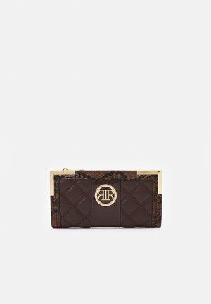QUILTED CIRCLE MC - Wallet - brown