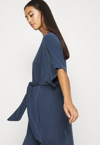 Monki - HESTER DRESS - Jerseykjole - navy blue - 4