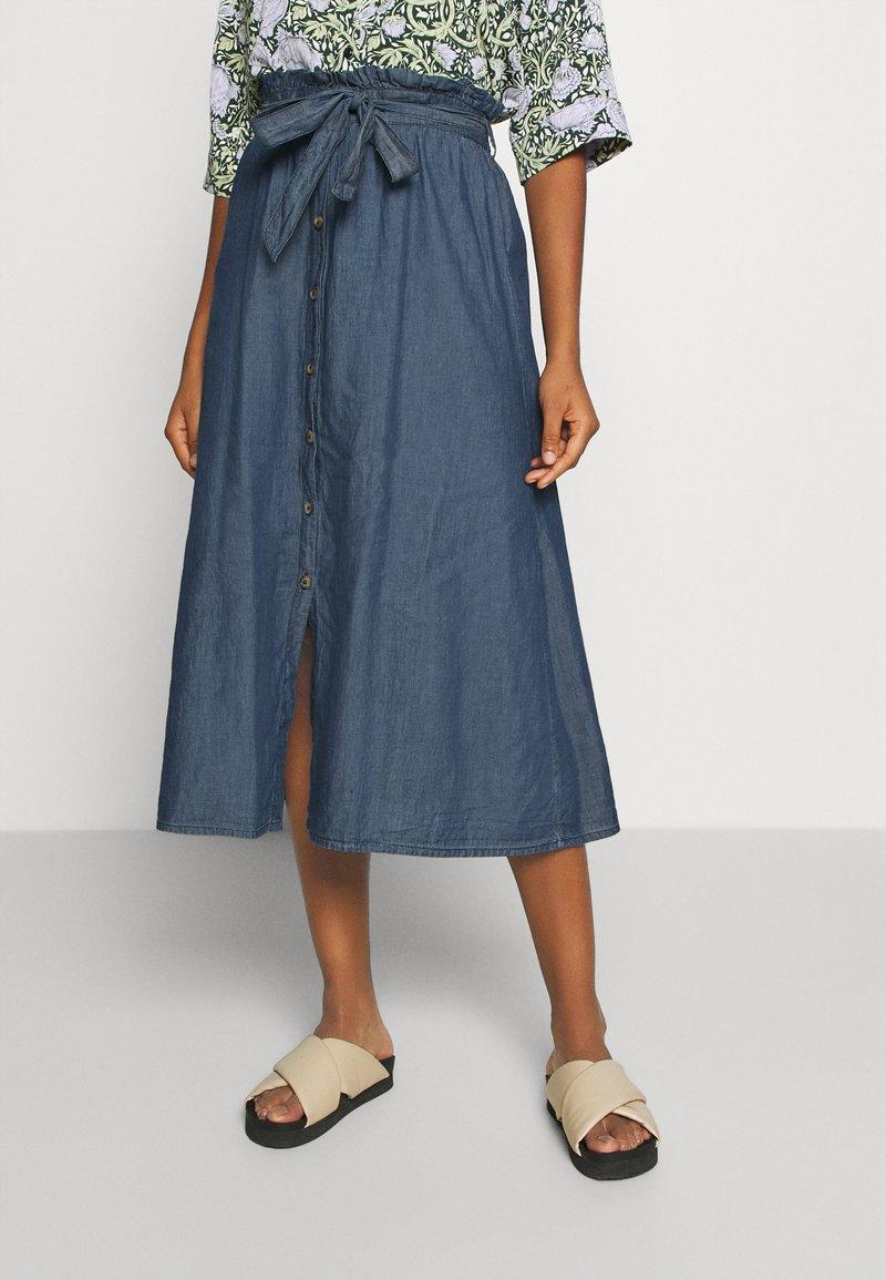 Pieces - PCELSA SKIRT - A-line skirt - dark blue denim