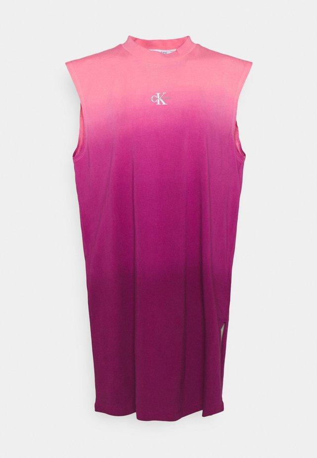 DIP DYE MUSCLE TEE DRESS - Sukienka letnia - purple