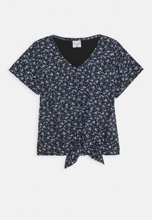 TIE FRONT - Camiseta estampada - black