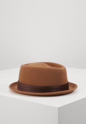 STOUT PORK PIE - Hat - hide