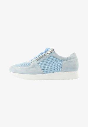 LARG - Sneakers laag - bleu clair
