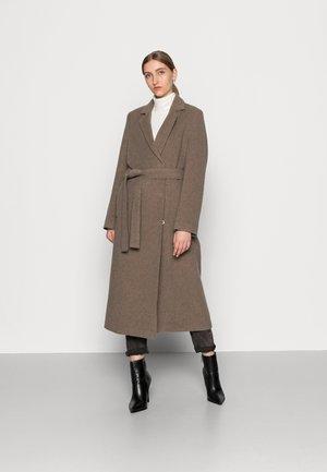 ASTRID COAT - Klasický kabát - taupe