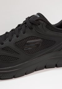 Skechers Sport - SUMMITS SOUTH RIM - Sneakers basse - black - 5