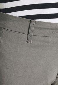 Carhartt WIP - SID PANT DELTONA - Chinot - shiver rinsed - 4