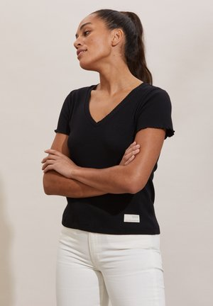LYNDA - Basic T-shirt - almost black