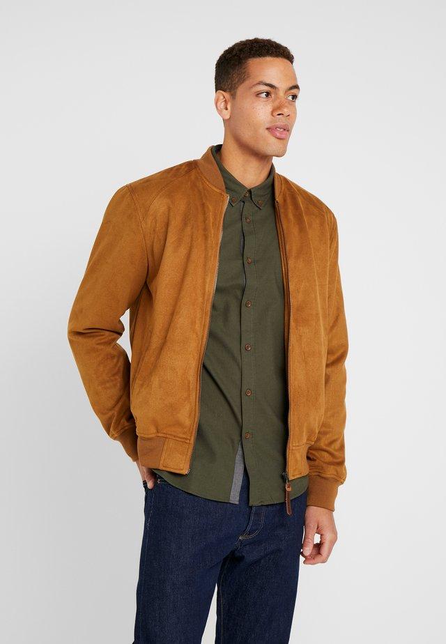 FORT WAYNE - Faux leather jacket - camel
