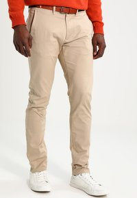 Selected Homme - SHHYARD SLIM FIT - Trousers - white pepper - 0