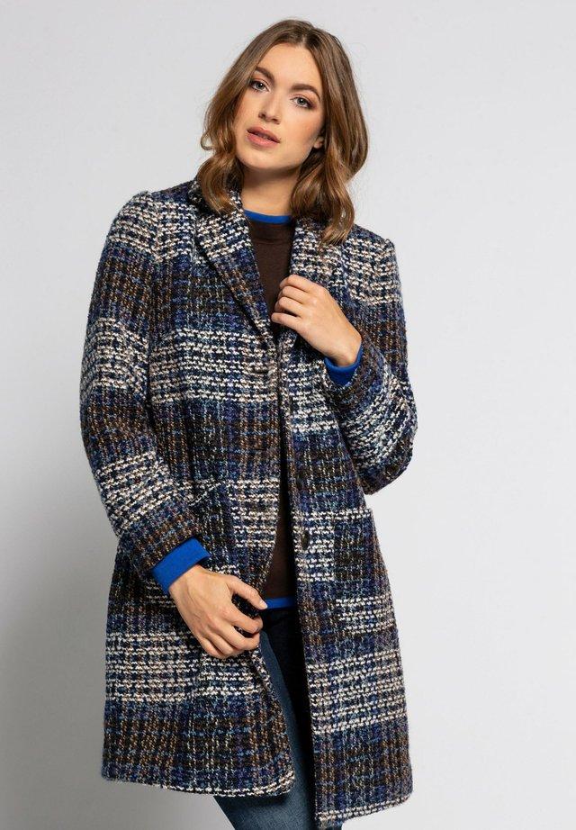 Klassinen takki - pfauenblau