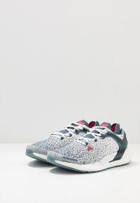 adidas Performance - ALPHATORSION BOOST - Zapatillas de running neutras - legacy blue/power pink/footwear white - 2