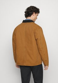 Carhartt WIP - CHORE COAT DEARBORN - Light jacket - hamilton brown/black aged - 2