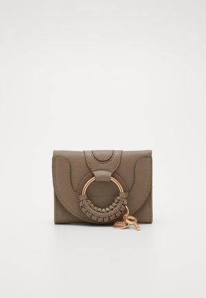 Hana small wallet - Monedero - motty grey