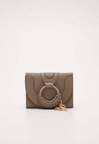 Hana small wallet - Peněženka - motty grey