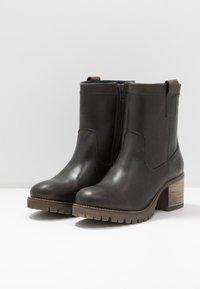 Bullboxer - Classic ankle boots - khaki - 4