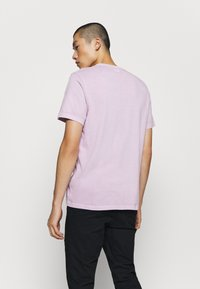 Levi's® - AUTHENTIC CREWNECK TEE - Basic T-shirt - lavender frost - 2