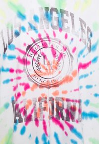 Hollister Co. - OVERSIZED TREND TEE - Print T-shirt - spiral wash - 4