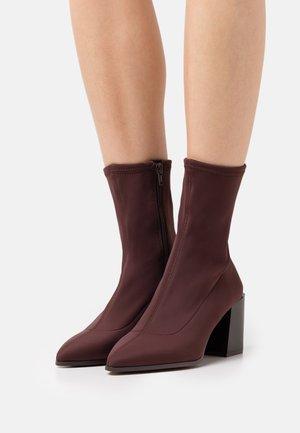 ADWIGOCIA - Kotníkové boty - dark brown
